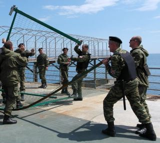 Снос заборов на набережной Крыма