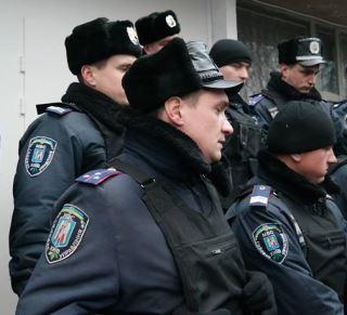 В Чернигов прибыли отряды милиции