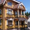 Качественный ремонт деревянных фасадов и резных наличников обеспечит надежную защиту всего строения